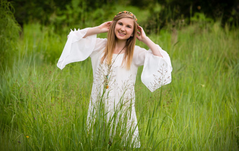 Cassidy's senior pictures at Hudson Gardens